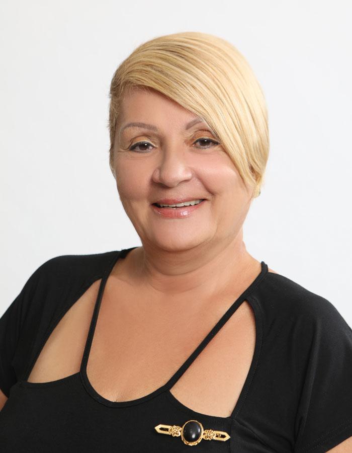 Sra. Natividad Flores